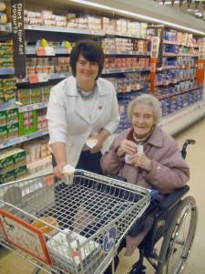 Jane Ellison MP at Shopmobility